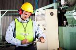 Bezpieczna praca przy maszynach. Lista kontrolna w zakresie obsługi tokarki uniwersalnej